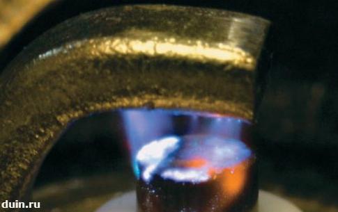 искра на свече зажигания