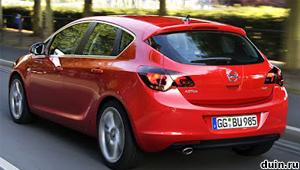 Opel Astra J вид сзади