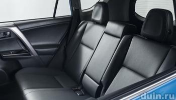 Toyota RAV4 заднее сиденье