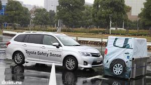 Toyota Safety Sense: предотвращение столкновения, радарный круиз-контроль